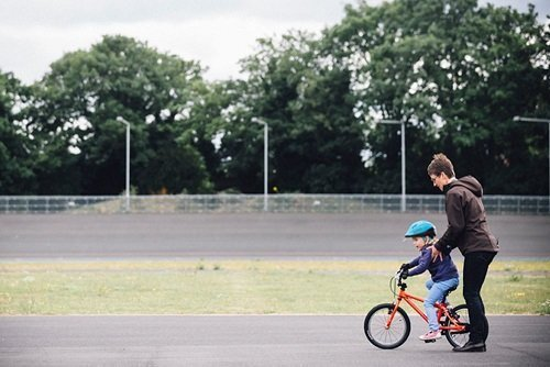 kind leren fietsen